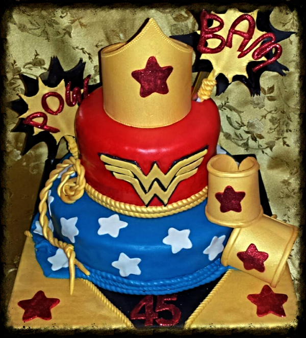 Wonder Woman Birthday Cake (Fondant)